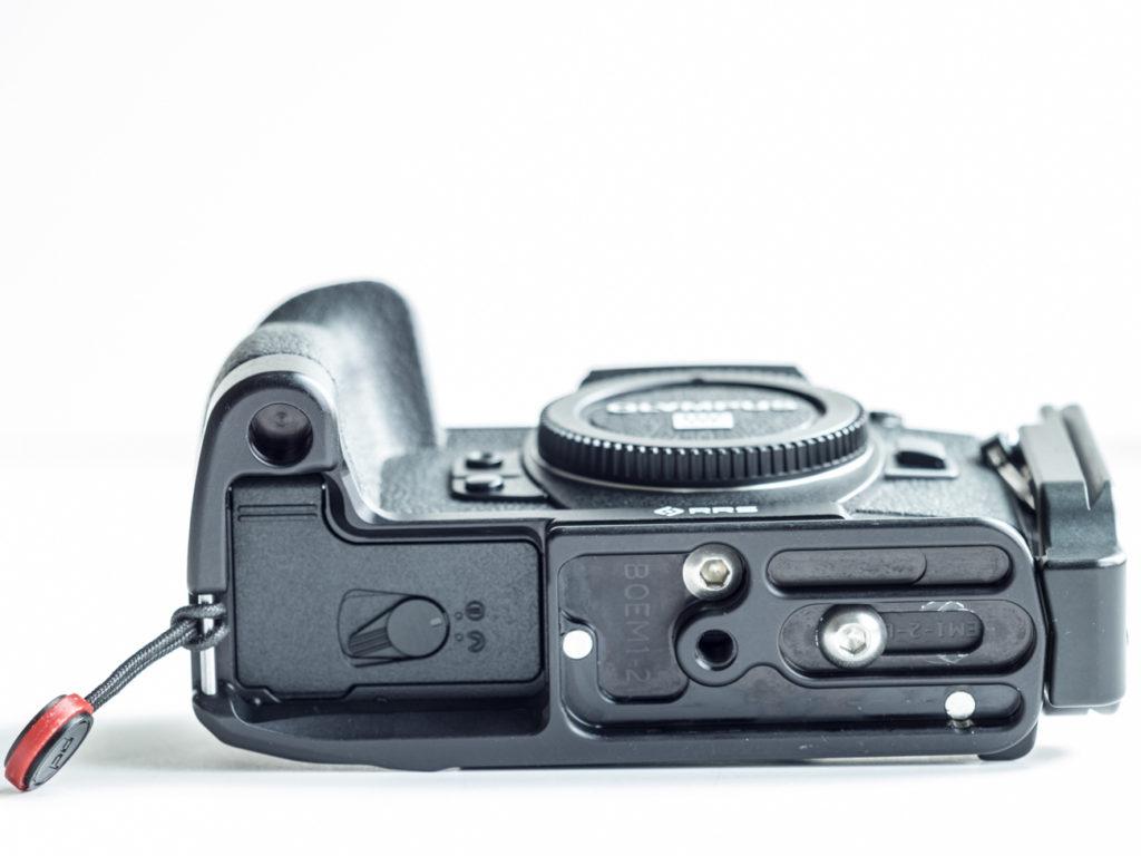 e-m1 mkII L-bracket RRS