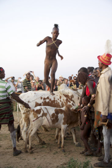 shobha gopinath Bull-jumping, Hamer initiate, Omo Valley, Ethiopia
